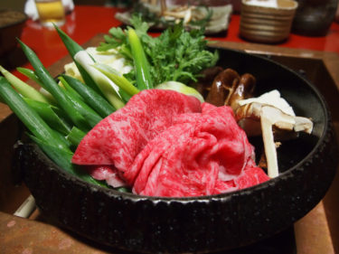 【創業100年】老舗・金谷で超絶美味の伊賀牛すき焼きを食らう