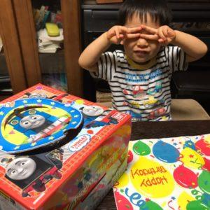 長男3歳の誕生日を祝う
